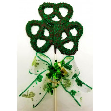 Clover-Pretzel Lolly